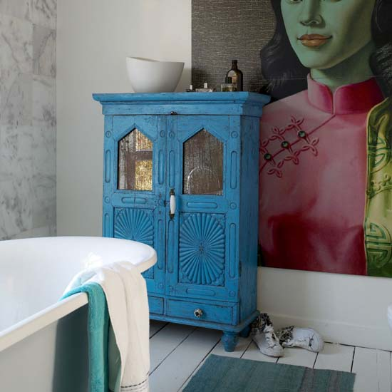 Colourful-bathroom