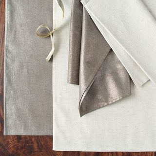 Metallic placemats