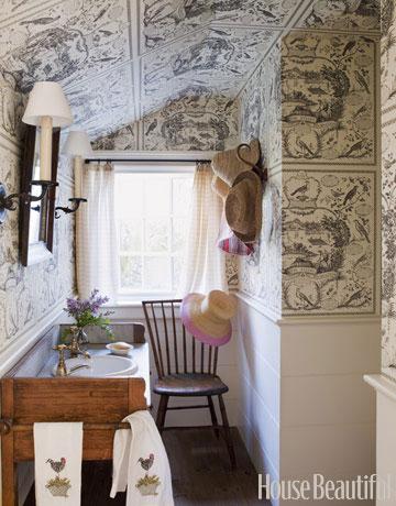 Bathroom-wallpaper-sink-0710-bathofthemonth-14-decopy
